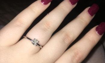 What Shape Diamond Looks Best on Fat Fingers